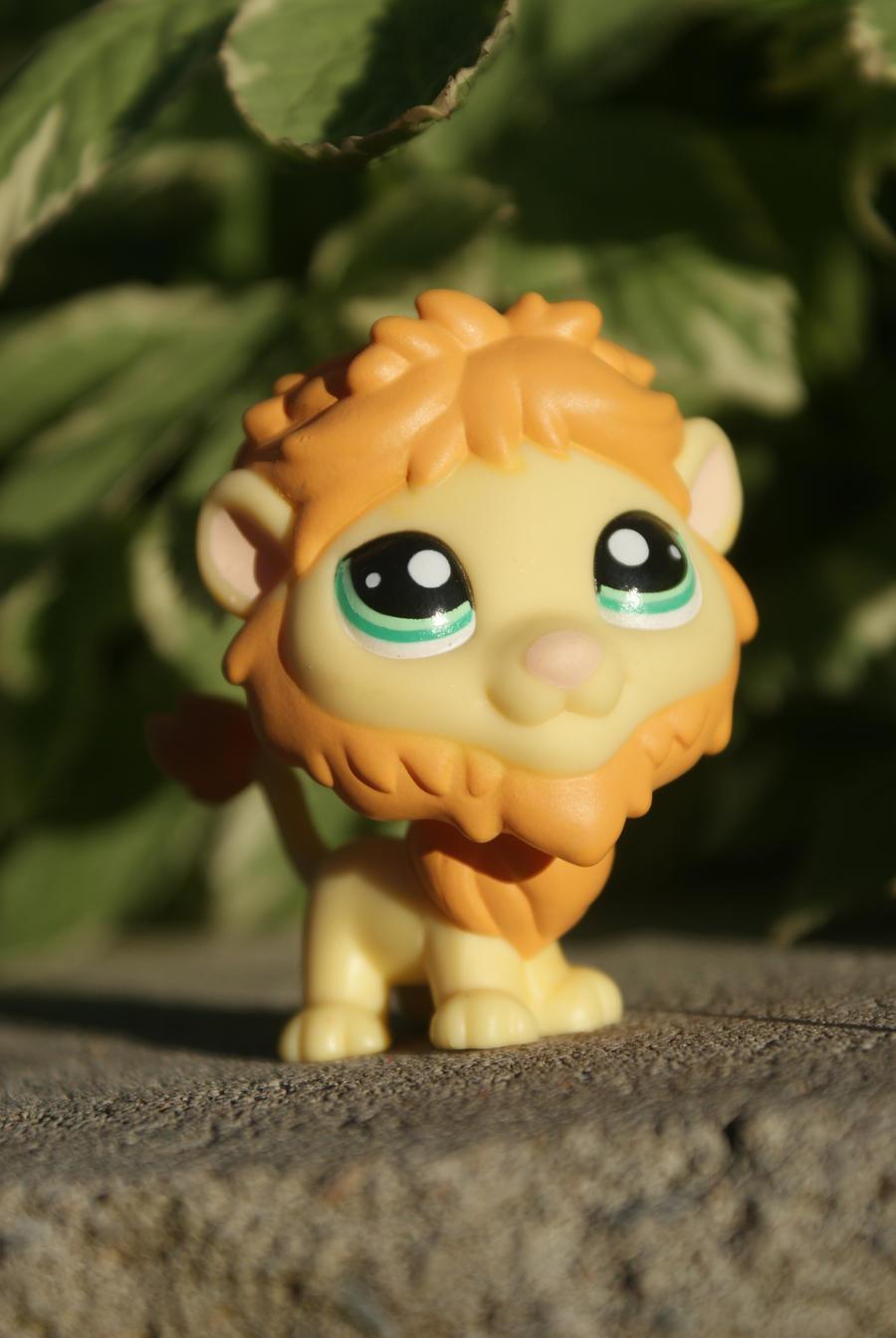 LPS lion by Eli102 on DeviantArt: eli102.deviantart.com/art/LPS-lion-245047967
