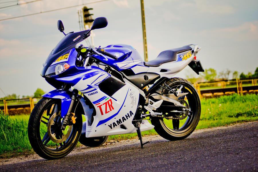 YAMAHA TZR 250 1990 250 cm3   moto collection   Blanc