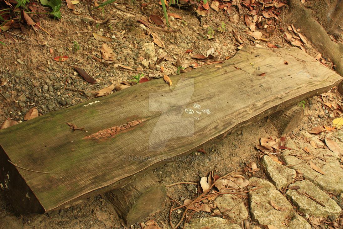 Woddy Bench by Nandaka