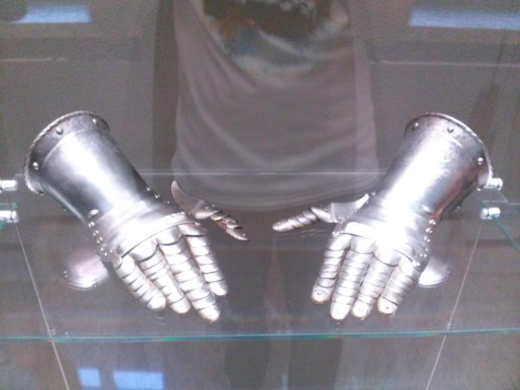 Steel hands by LordVetinari1