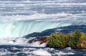 Niagara Falls by rosswillett
