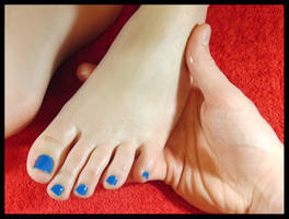 Oily feet, covered in massage oil :3