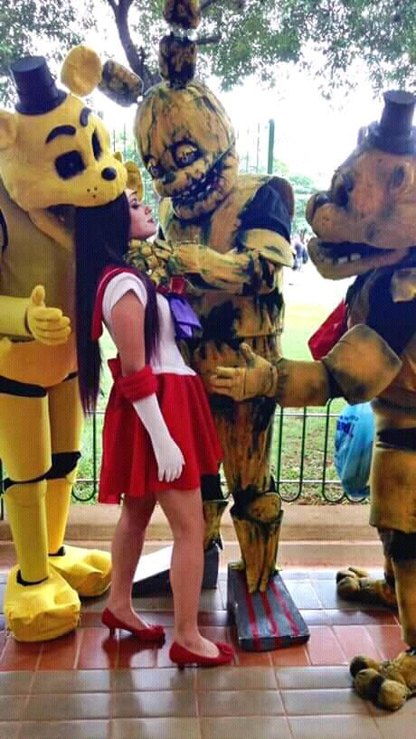 springtrap cosplay and Golden Freddy cosplay