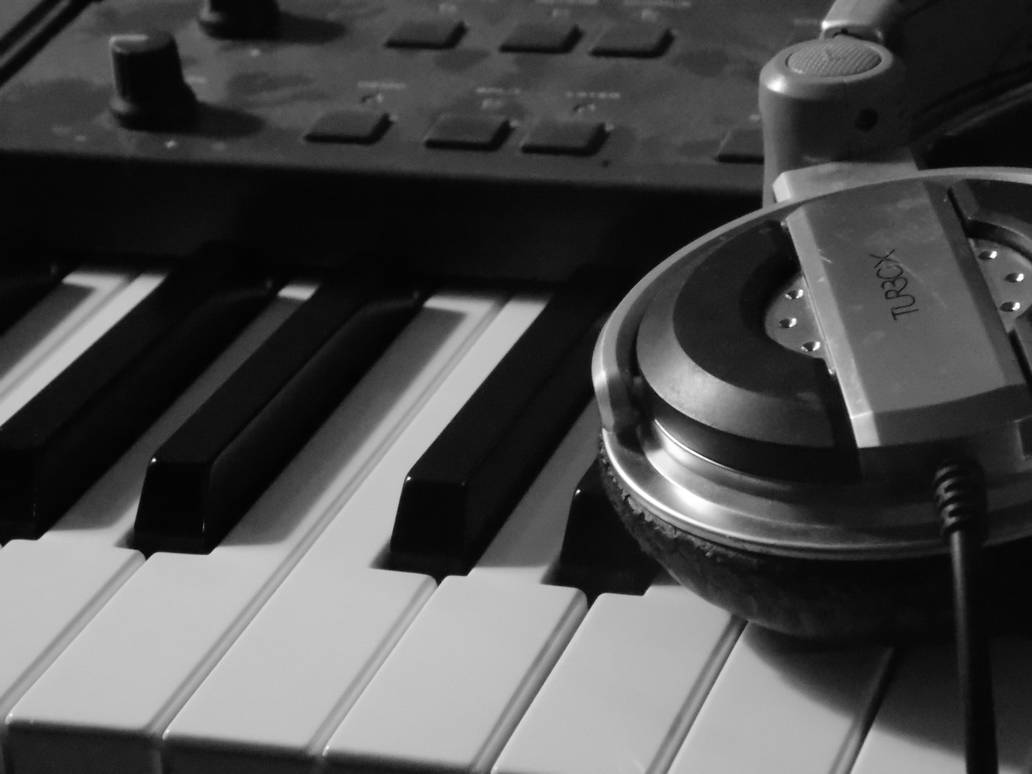 playing  quiet by MrDoomy