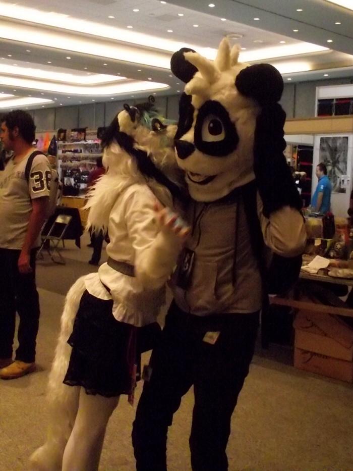 Kiss the panda by Zhiibe