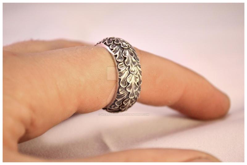Silver Oak leaf ring by WearTheRare