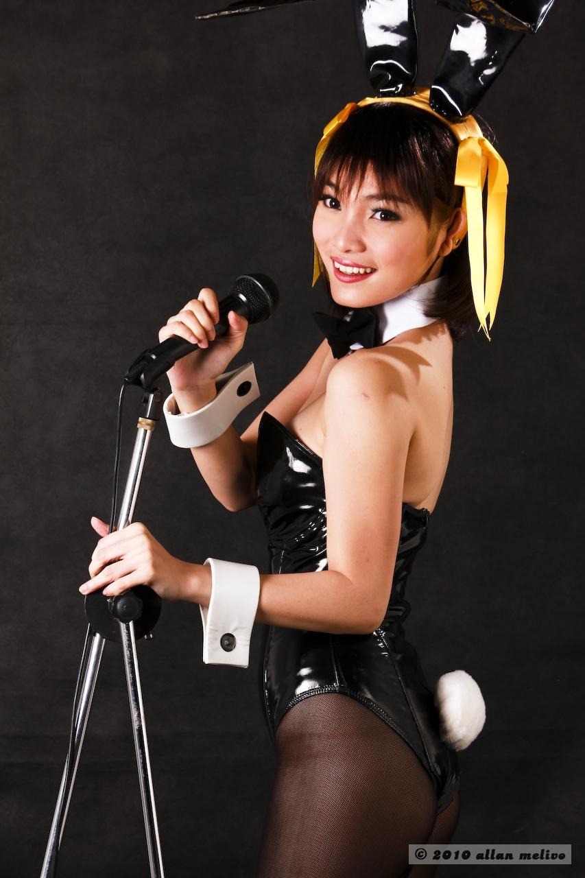 Haruhi suzumiya bunny cosplay