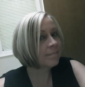 Miss-deviantE's Profile Picture