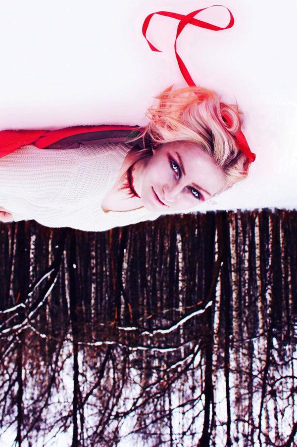 Red Riding Hood by Meljona