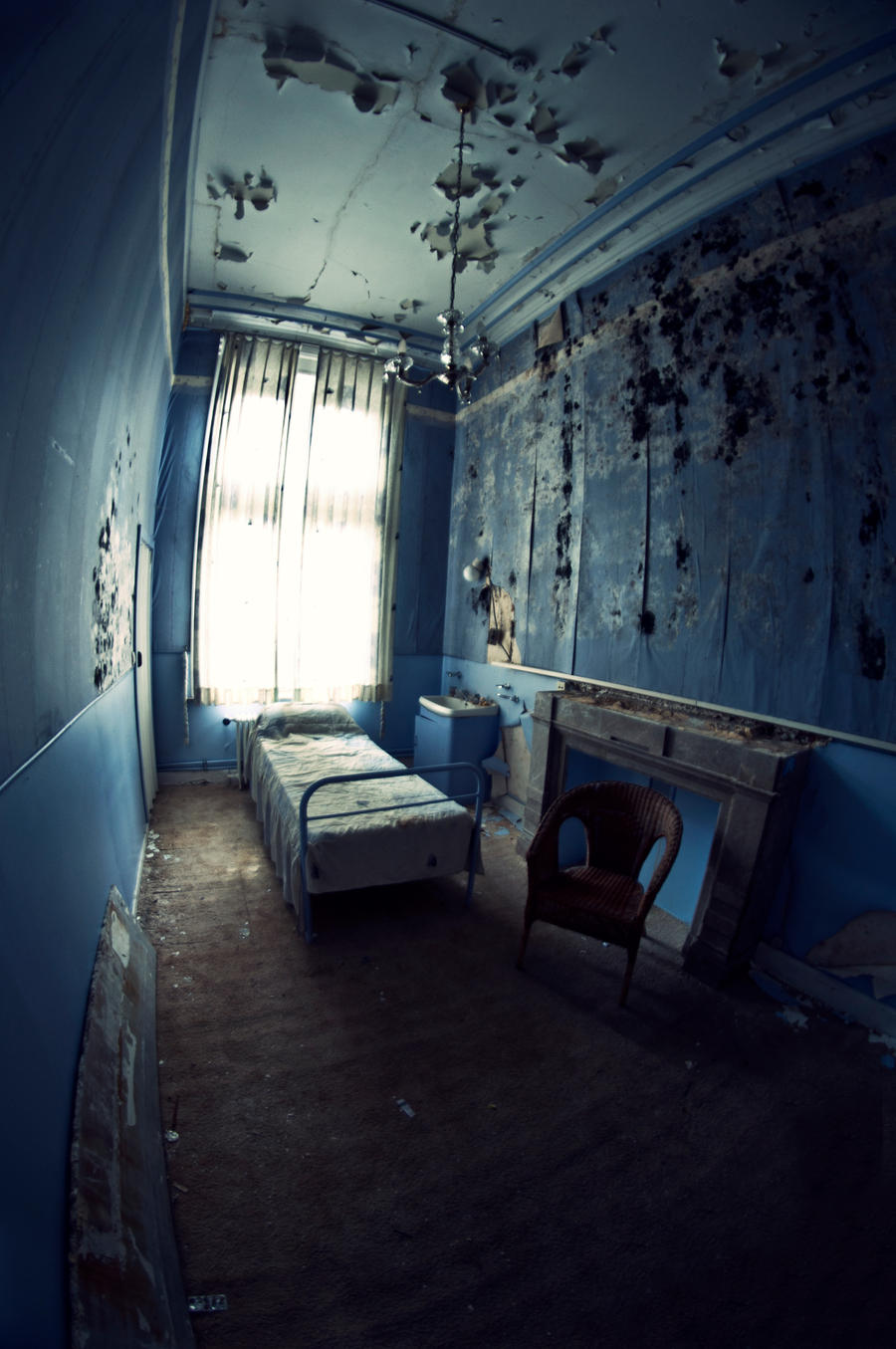 The Blue Room by kKimago