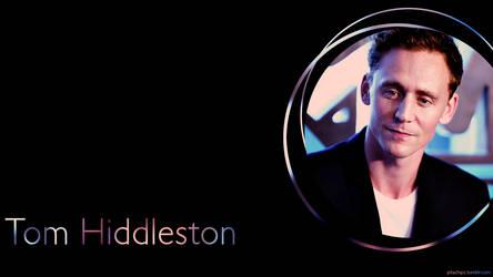 Tom Hiddleston Wallpaper