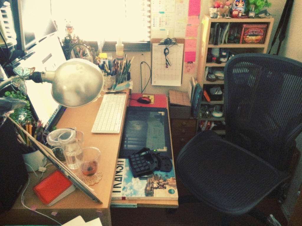 My desk 2014-06-29 by lita426t
