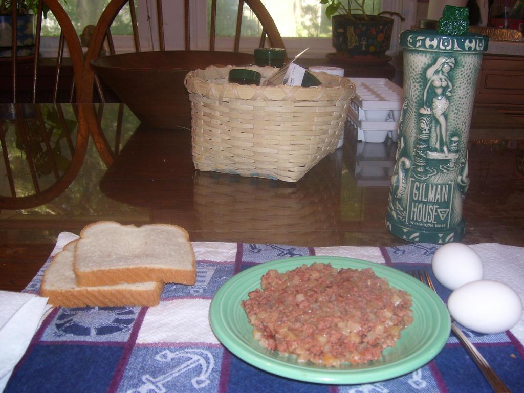 Lovecraftian Breakfast by Hannah2070