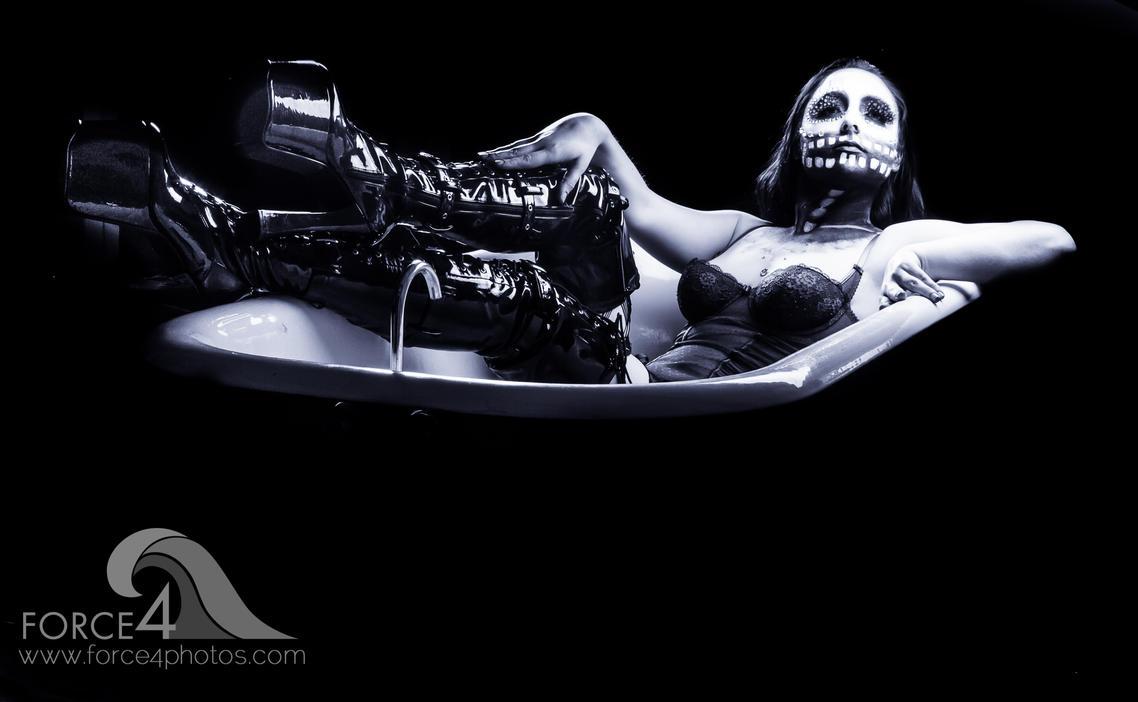 Los Muertos in the bath by Force4Photos