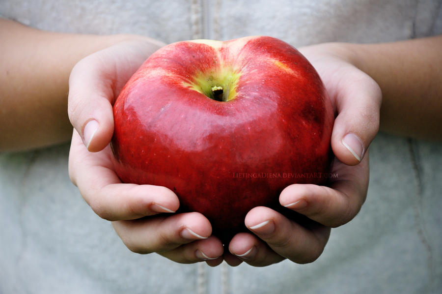 The Apple. by LietingaDiena