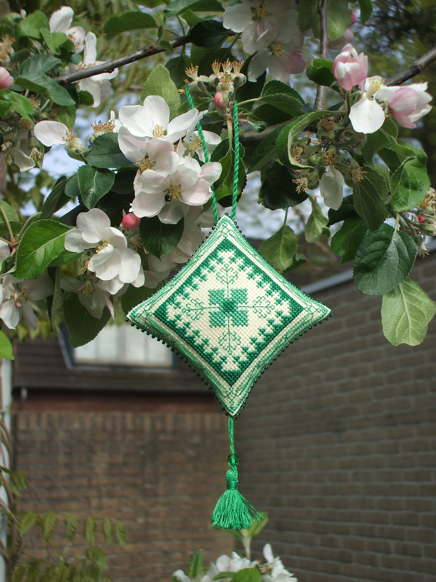 Ornament of the Month - May,  Ornament finish by Magical525
