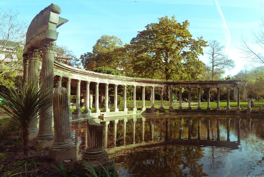 Monceau Park by senzostock