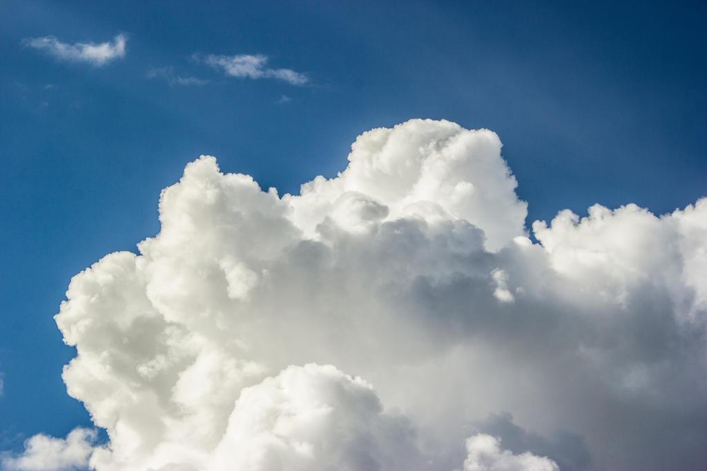 Heavy Cloud by purstotahti