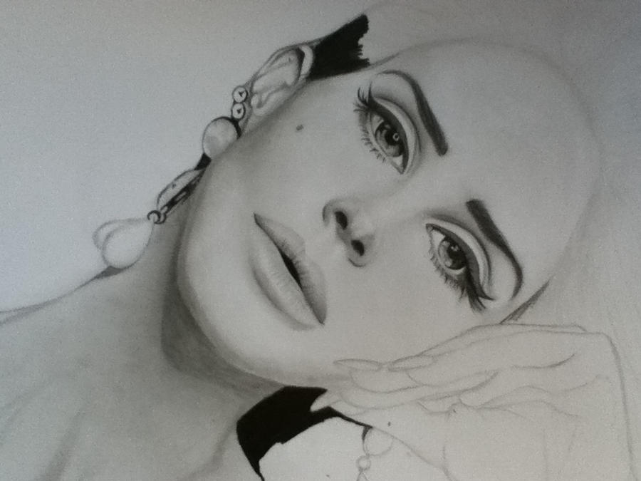 Lana del Rey not finished by Liesjj