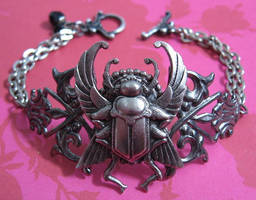 scarab by enchantadorn