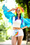 Rainbow Dash ~ My Little Pony by greengreencat