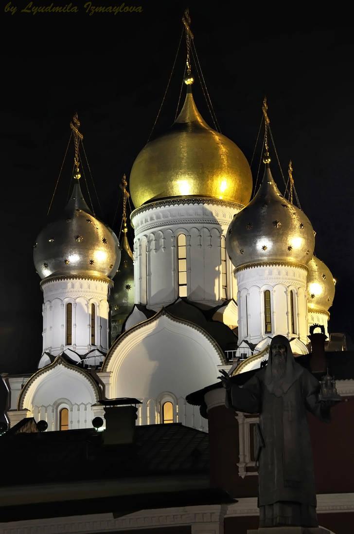 domes of Zachatievsky monastery by Lyutik966