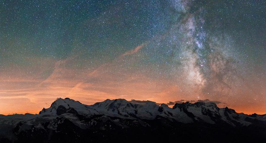 Some 4000 under the stars by Arafinwearcamenel