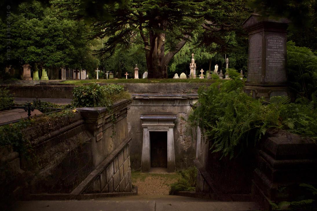 Highgate Cemetery by Joe-Roberts