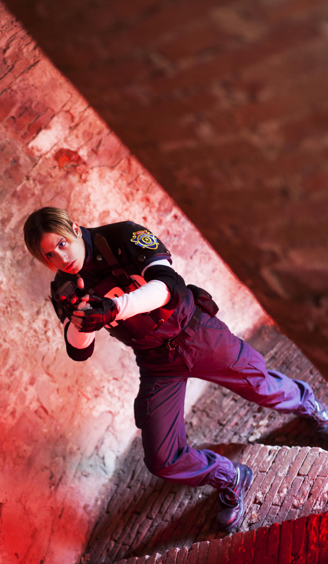 Leon S. Kennedy - Resident Evil 2 Cosplay by XenoLink