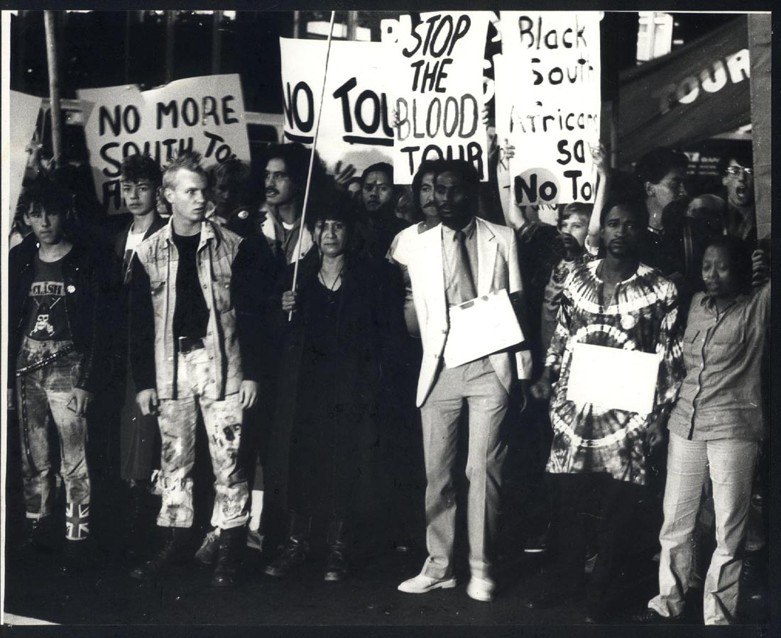 springbok tour 1981 He pro tour movement was very different than the anti-tour movement the pro-tour movement wasn't an organised group of individuals looking to publicize their views, they just retalliated to the anti-tour protesters disrupting the tour often violently.