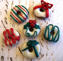Christmas Donut Magnet Set by RoyalKitness