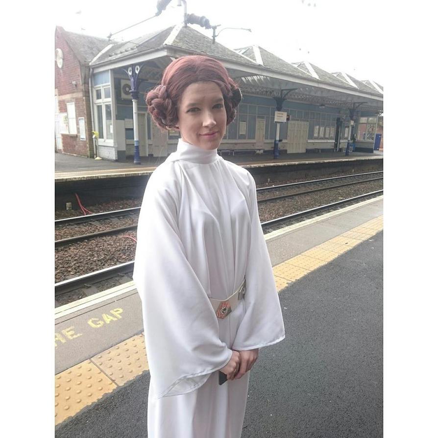 Star Wars: Princess Leia by LSPcosplay