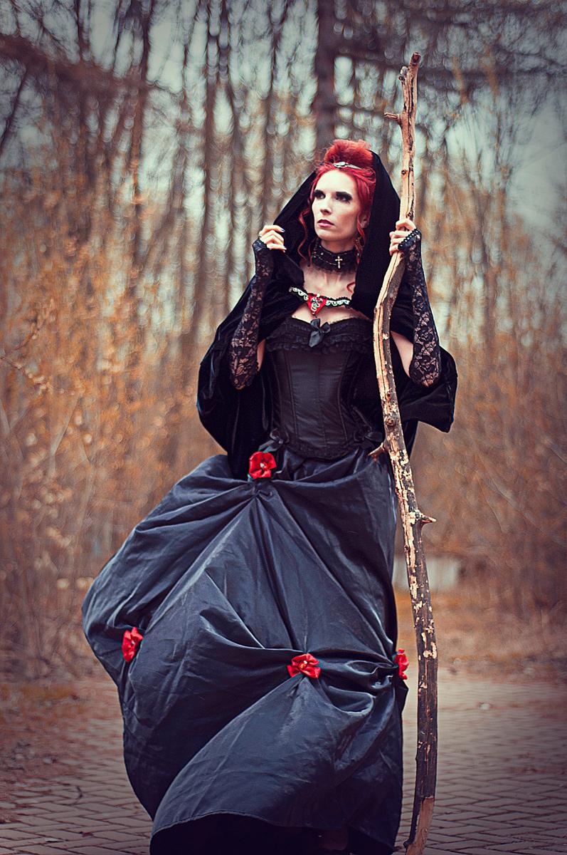 Evil Queen by ann-emerald