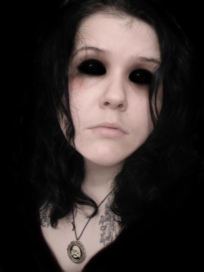 Soft_Black_Eyes_by_RitualeRomanum