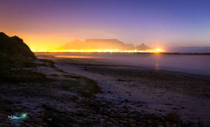 Table Mountain @ Night by Justinlite