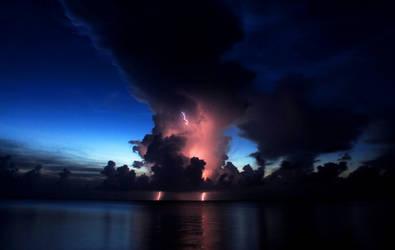Sunset lightning by bandesz99