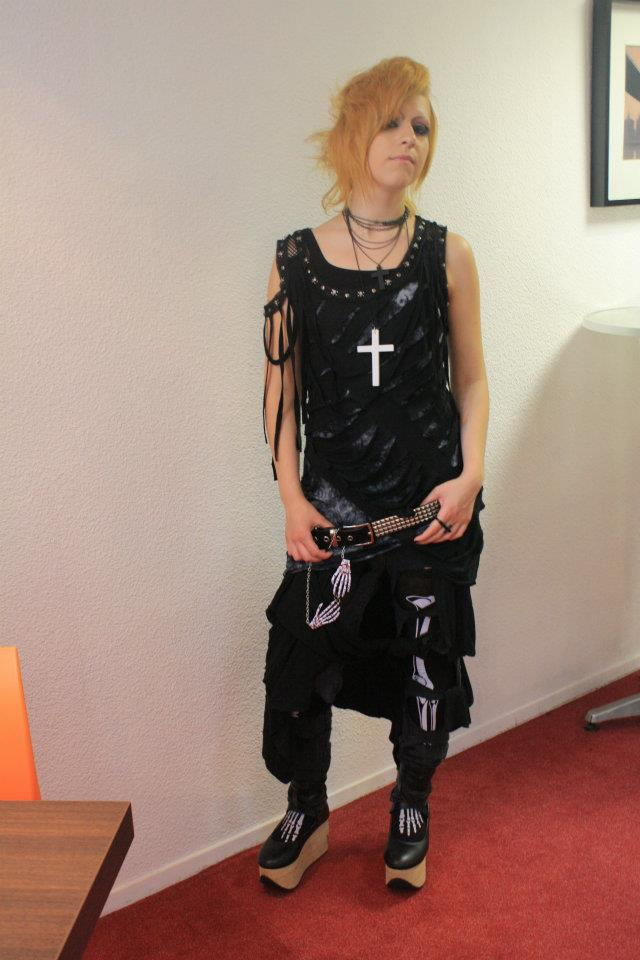 Punk(?) outfit @ Japan expo by PinapplesAddict