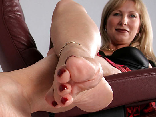 Cougar Milf Feet By Coolman4040 On Deviantart-2408