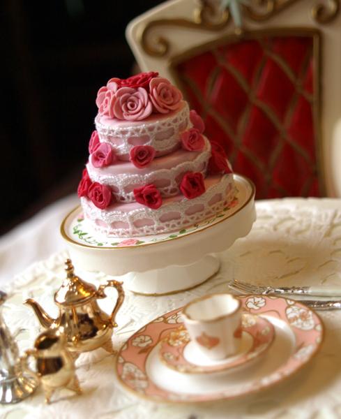 najromanticnija soljica za kafu...caj - Page 2 Rose_cake_by_chocolatedecadence-d2xm7ia
