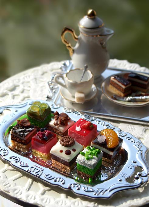 Petit Cakes