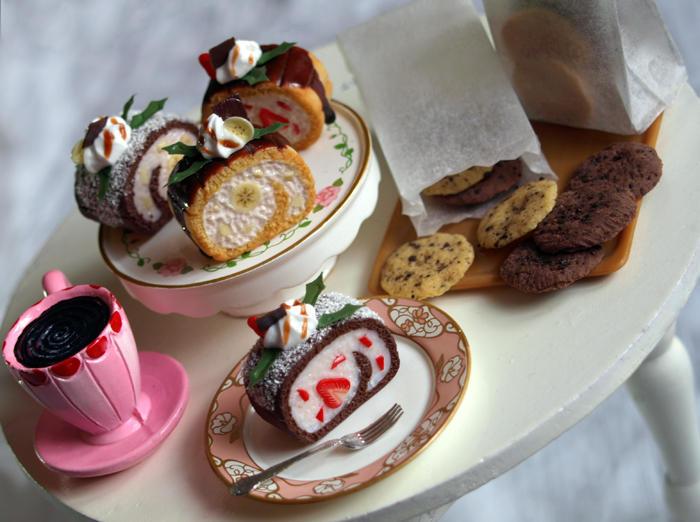 Miniature Cake Rolls by ChocolateDecadence