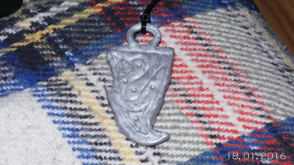 Kadan necklace (back) by PyodeKantra