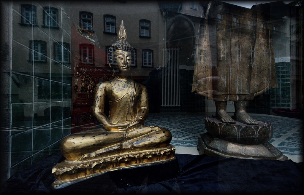 Reflections in the clash of cultures by Wetterlage
