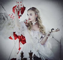 Alice in Wonderland: White Queen by LilSophie