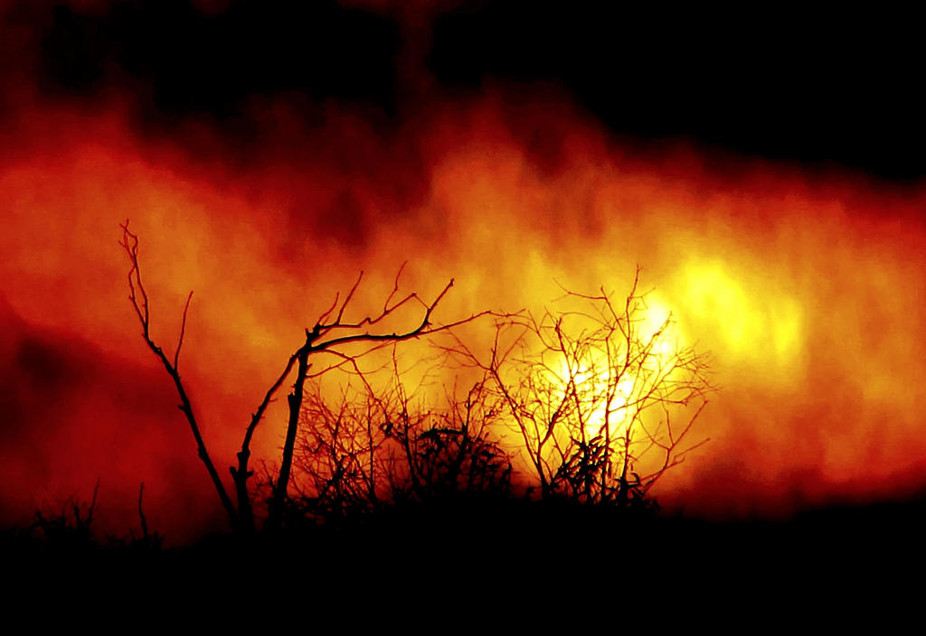 mo'hotta.... mo'bettaaaa... by shotsfiredimagedown