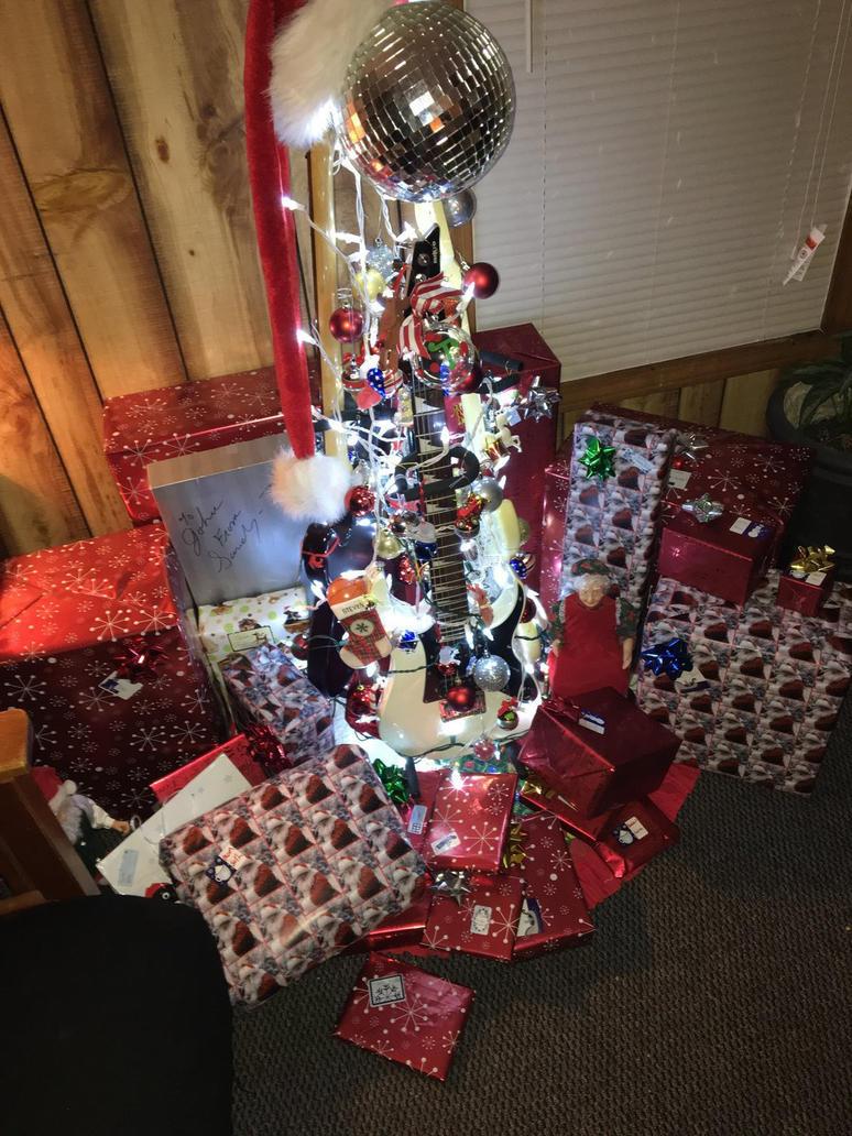 Great Rock Nu0027 Roll Christmas Tree By Gladufox ...