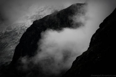 Mountain mist by droemsjael