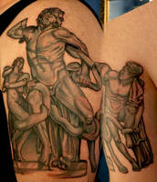 Laocoon and His Sons by TodoArtist