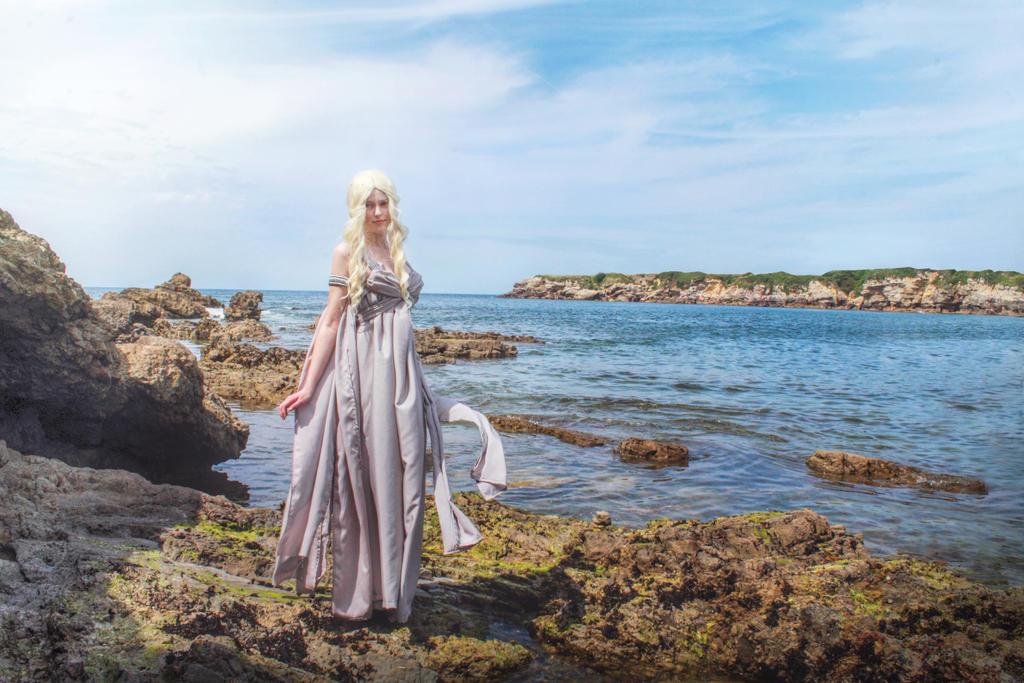 Daenerys Targaryen by NekoSandra