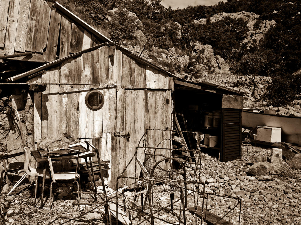 fishing shack by Livath